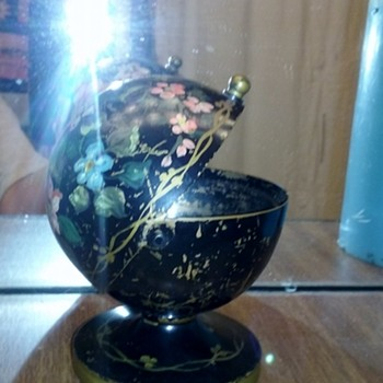 Brass weighted round pedestal base with opening ?? Globe, Dome, Inkwell, Trinket Holder?? with glass dish insert French Tole ??