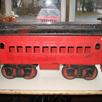 Antique Pullman Riding Train Car - Model Trains