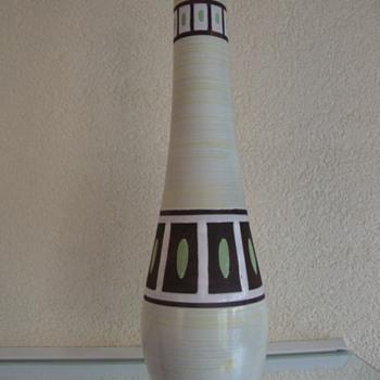 mid century modern vase by plazuid ,gouda,holland - Pottery