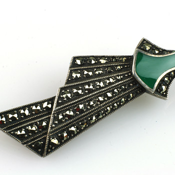Stunning art deco brooch - Fine Jewelry