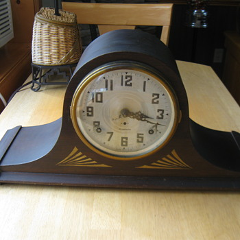 1930's PLYMOUTH MANTEL CLOCK - Clocks