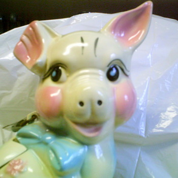 Hull piggy bank 1950? - Pottery