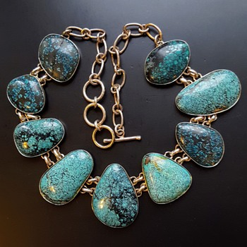 Modernist turquoises matrix cabochons silver necklace. - Fine Jewelry