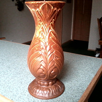 "Royal Haeger Gloss to Matte Drip Glaze ""Acanthus"" Leaf Vase / Circa 1950's - Pottery"