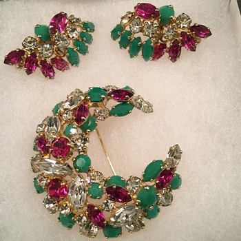 SHERMAN CRESENT BROOCH & FAN EARRINGS - Costume Jewelry