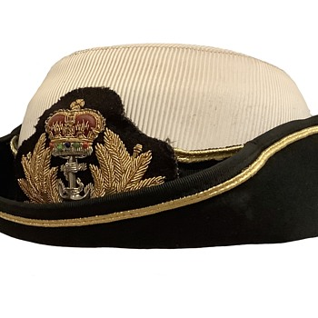 Royal Navy Female Senior Officer's Tricorne Hat. - Military and Wartime