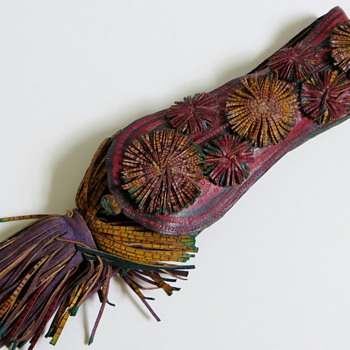 Leather Pouch with Cigarette/Cigar Holder?~Beautiful Folk decoration - Tobacciana