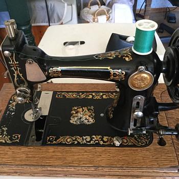 "National ""Duchess"" ? - Sewing"