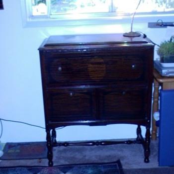 my great Uncle Leo's desk from Nebraska