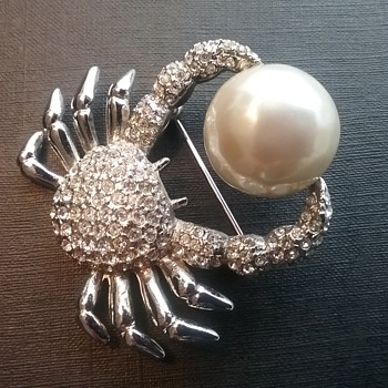 Carolee crab brooch  - Costume Jewelry