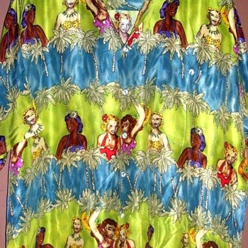 FUNKY!FUNNY!  HAWAIIAN SHIRT  LOOKS VINTAGE, LADIES OF DIFFERENT RACES POP UP!