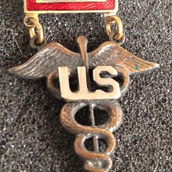 WW II Sweetheart Pin With Medical Insignia - Military and Wartime