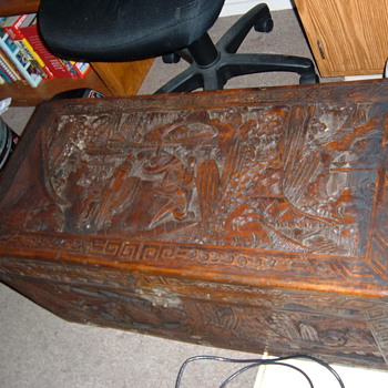 Antique hand carved chest - Furniture