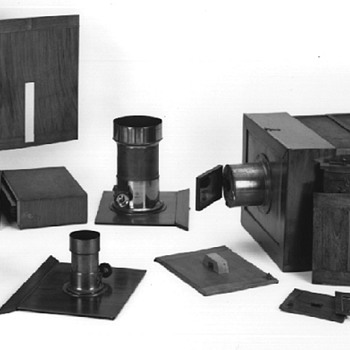 Richebourg Daguerreotype Camera w/Reversing Mirror (French, 1842): understanding laterally reversed pictures - Photographs