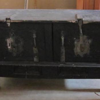 REALLY STRANGE TRUNK - Furniture