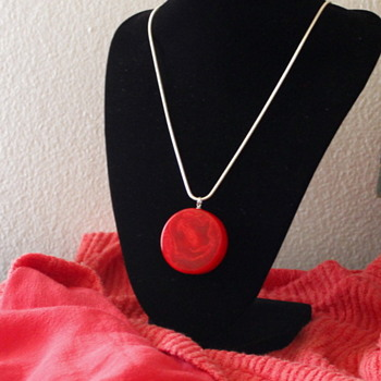 My first bakelite beauty!  And a gift from a beautiful friend! - Costume Jewelry