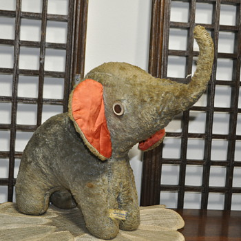 "Over 15"" tall Elephant.What to do with this Jee Bee Creations ELEPHANT? - Animals"