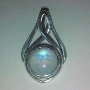 silver moonstone pendant