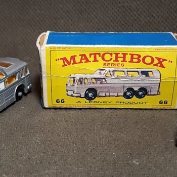 Marvelous Moving Motion Matchbox Monday MB 66 Greyhound Bus 1967 - Model Cars