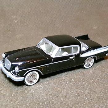 Johnny Lightning 1957 Studebaker Golden Hawk 2004 - Model Cars