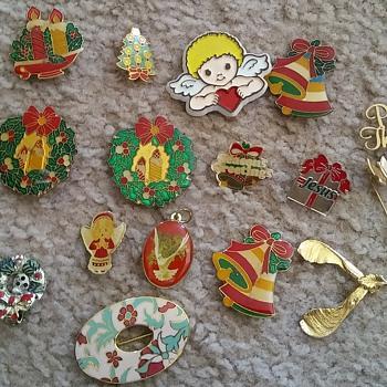 Christmas pins!  - Costume Jewelry