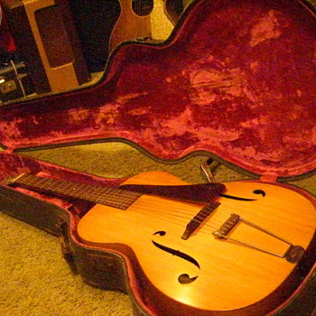 1934 Martin R-15 Archtop in it's original case. Production number 58652, the first of only two made. - Guitars