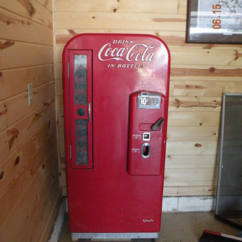 Vendo Coca-Cola 10 Cent Machine - Coca-Cola
