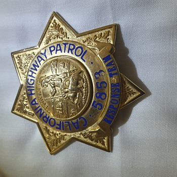 "CALIFORNIA HIGHWAY PATROL POLICE BADGE Also a  PENNSYLVANIA STATE POLICE ""Major"" BADGE - Medals Pins and Badges"