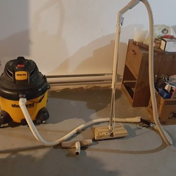 Shop vac 16 gallon  - Tools and Hardware