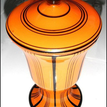 Loetz Orange Mit Schwarzen Streifen Covered Urn - Art Glass