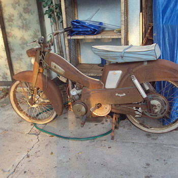 Mobylette Scooter - Motorcycles