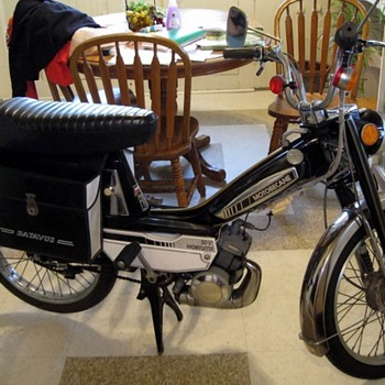 (2) 1979 motobecane mobylettes 50v  234 and 492 miles  - Motorcycles