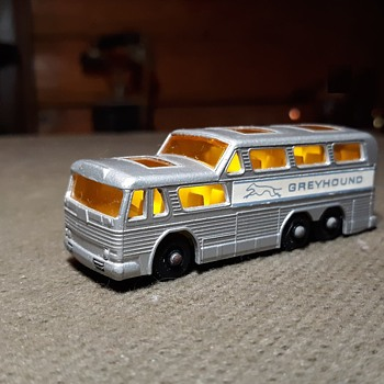 More Multiple Movers MB-66 Greyhound Bus 1966-1971 (1967-69) - Model Cars