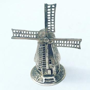 Vintage Sterling Silver Lighthouse Mechanical  - Silver