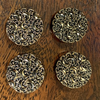 Le Chic Vintage Glass Buttons - Sewing