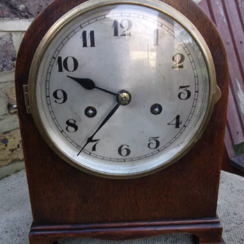Mahogany clock - Clocks