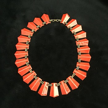 Red enamel necklace - Costume Jewelry