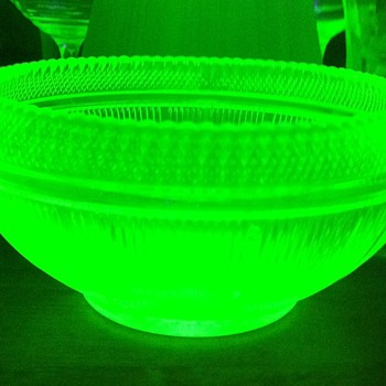 Deco Vaseline glass bowl - Glassware