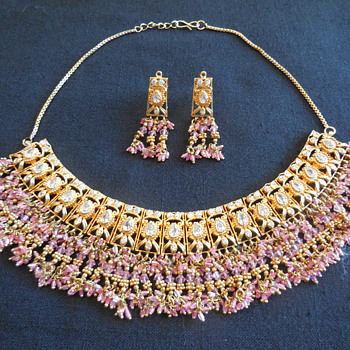 "Vintage Costume Jewelry Necklace and Earrings Crystal and Beads ""Solved"" Kundan Necklace Set with Earrings For India Wedding - Fine Jewelry"