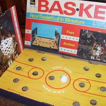 1970 basketball game  - Games