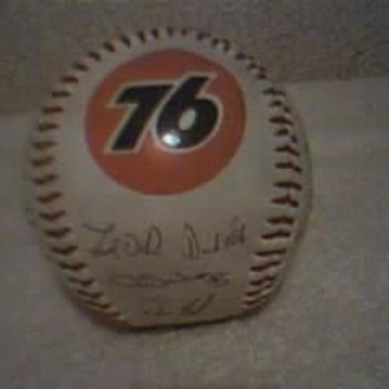Collectible 76 Cubs Baseball.