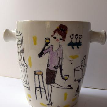 ice bucket by flower painter (quadrifoglio florence?) - Pottery