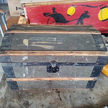 Doll/Toy/Salesman Sample Trunk - Furniture