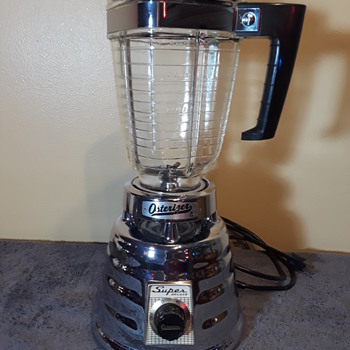oopsie...another old chrome 'beehive' SUPER DE LUXE OSTERIZER blender - Electronics