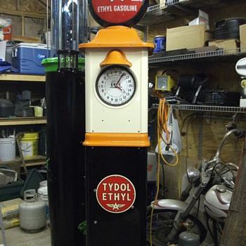 misc gas pumps  - Petroliana