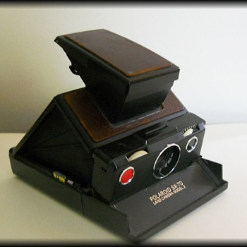 POLAROID SX-70 LAND CAMERA  ( Model 2 ) .... PLUS complete stuff - Cameras
