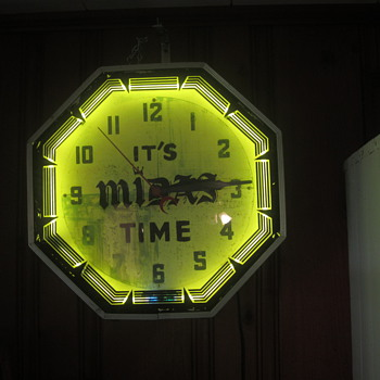 It's Midas Time Neon clock - Advertising