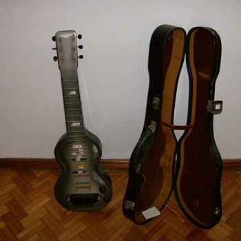 Rickenbacher Electro Los Angeles ( 1940 model NS )
