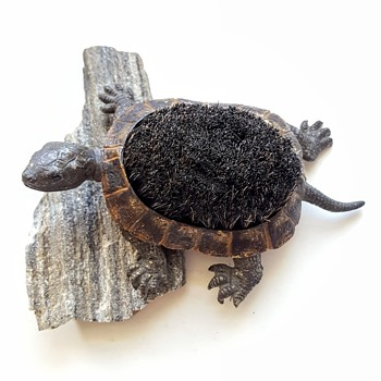 Antique Vienna bronze turtle pen wipe. - Animals