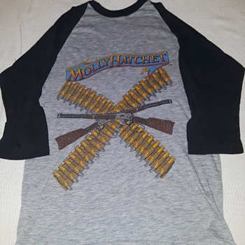 MOLLY HATCHET concert T-shirt - Mens Clothing